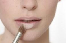 5_steps_to_apply_lipstick_3v
